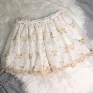 NWT Abercrombie & Fitch White/Gold Lace Mini Skirt